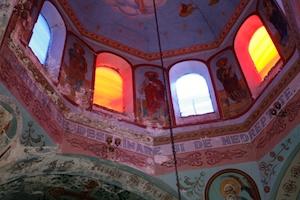 Călători printre românii din sudul Ucrainei. Viermi de mătase pe chipurile Sfinţilor