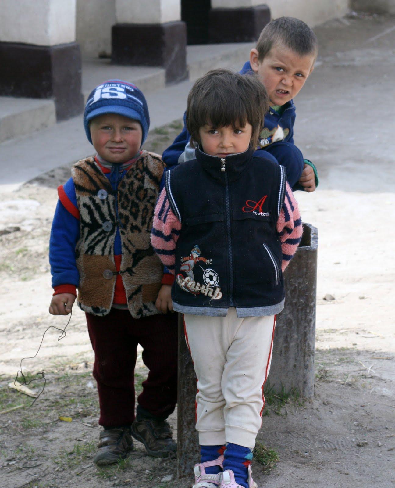 Natalia Porubin: Copiii migranţilor – între disperare şi haine de firmă