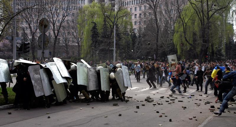 Guvernul, speriat de proteste și de criza din Ucraina, înființează o structură specială