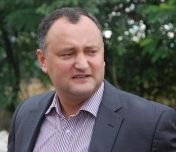 Igor Dodon se teme de fraude şi provocări