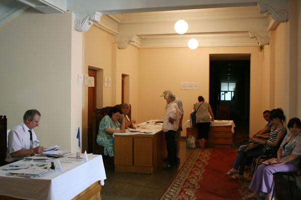 Astăzi are loc renumărarea voturilor pentru CMC