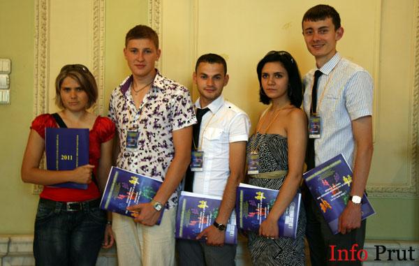 """Școala de vară """"Noi – cetățeni interactivi ai Europei"""" (Ziua a 2-a)"""