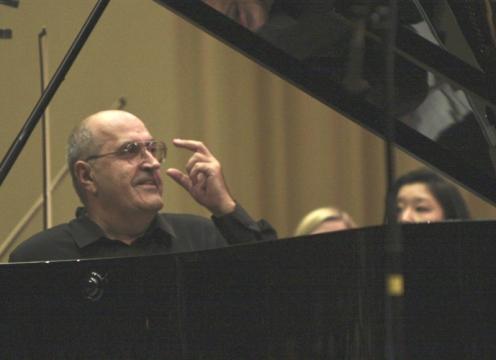 Pianistul Dan Grigore va concerta la Chişinău