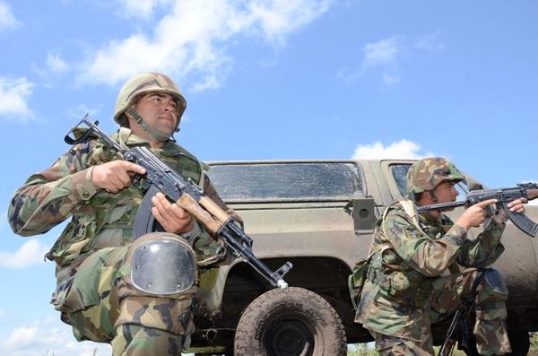 """""""Căştile albastre"""" ale Armatei Naţionale corespund standardelor NATO"""