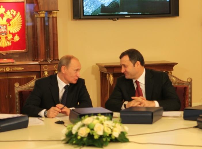 Vladimir Putin îl felicită pe Vlad Filat