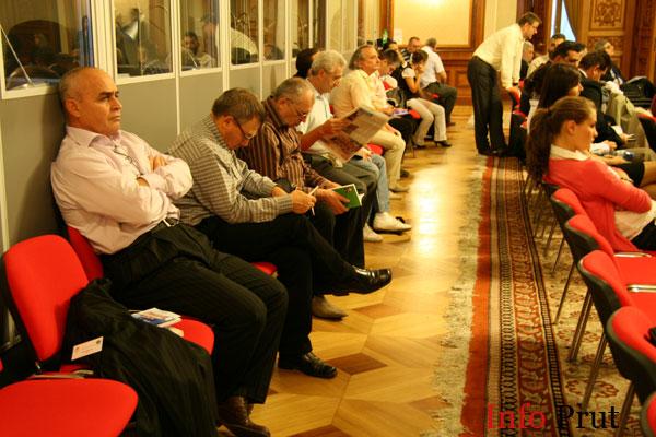 APE: Chişinăul şi Bucureştiul ar trebui să susţină diaspora împreună
