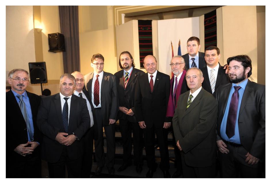 Preşedintele României, Traian Băsescu în Nigotin și Mălainiţa, cu Români din Valea Timocului