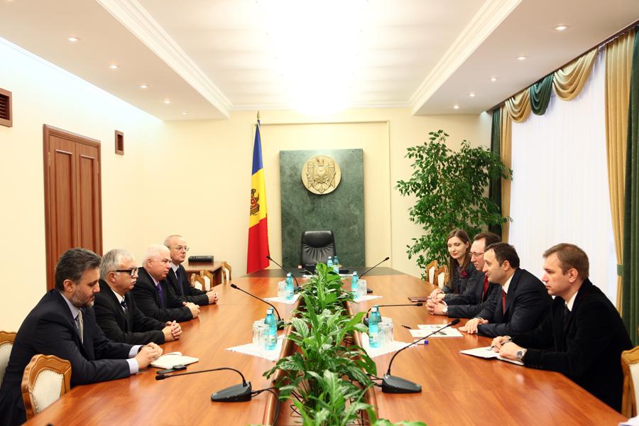 O delegaţie a Curţii Constituţionale din România în vizită de lucru la Chişinău