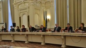 Parlamentari moldoveni în vizită de studiu la București