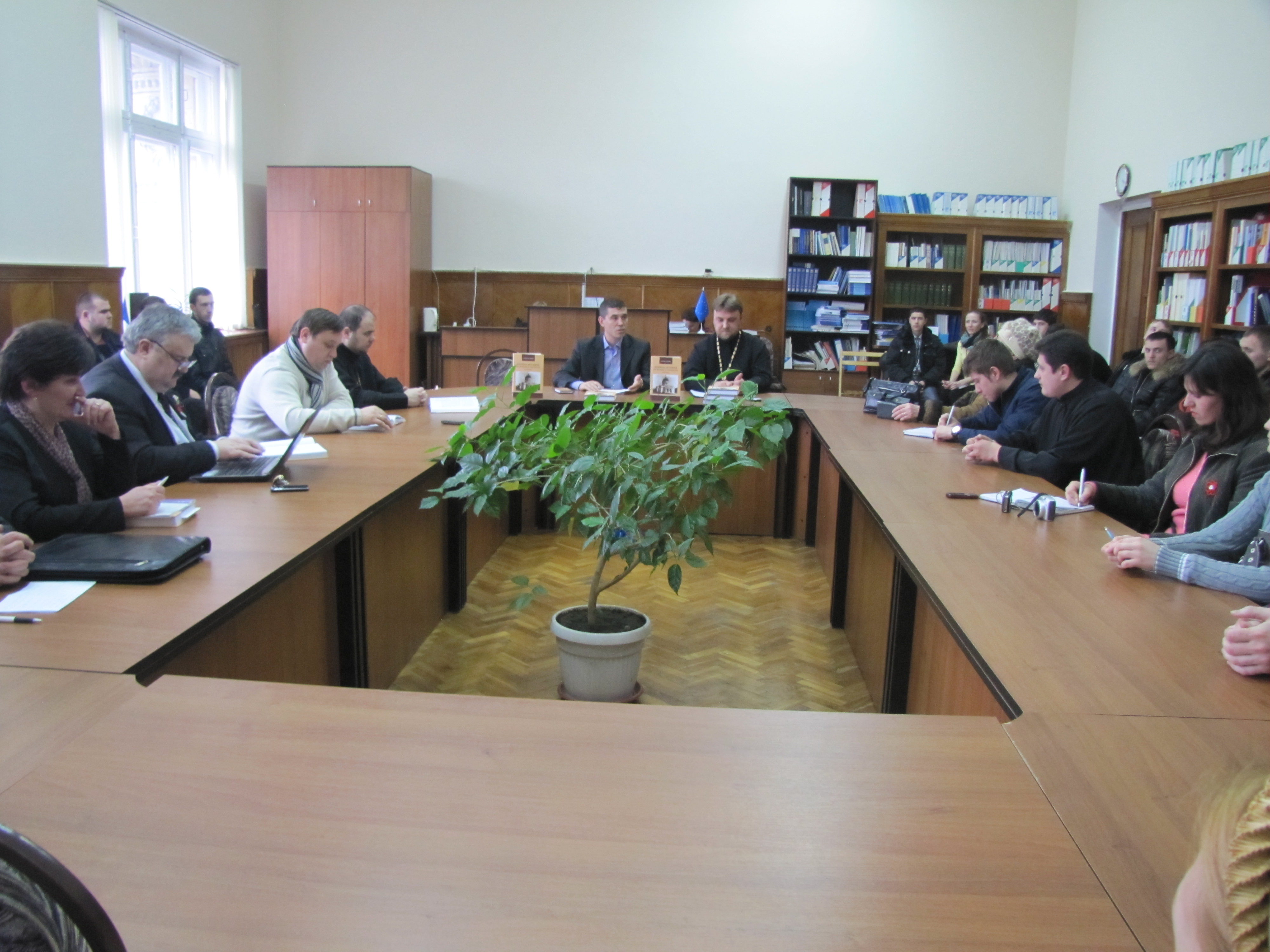 """Lansare de carte la Chișinău: """"Biserica Ortodoxă din Basarabia şi Transnistria (1940-2010)"""""""