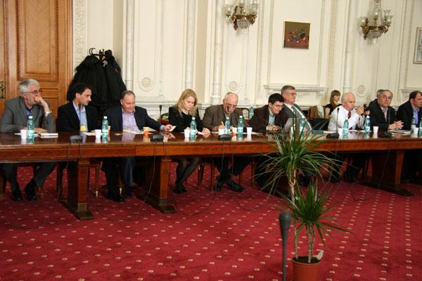 (FOTO) Unirea este aproape, iar politicienii din România şi din Republica Moldova trebuie să fie pregătiţi