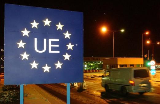 Sondaj: Uniunea Europeană sau Uniunea Rusia-Belarus-Kazahstan?