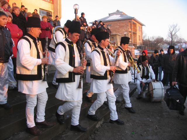 Limba română a devenit oficială în patru sate din regiunea Cernăuți