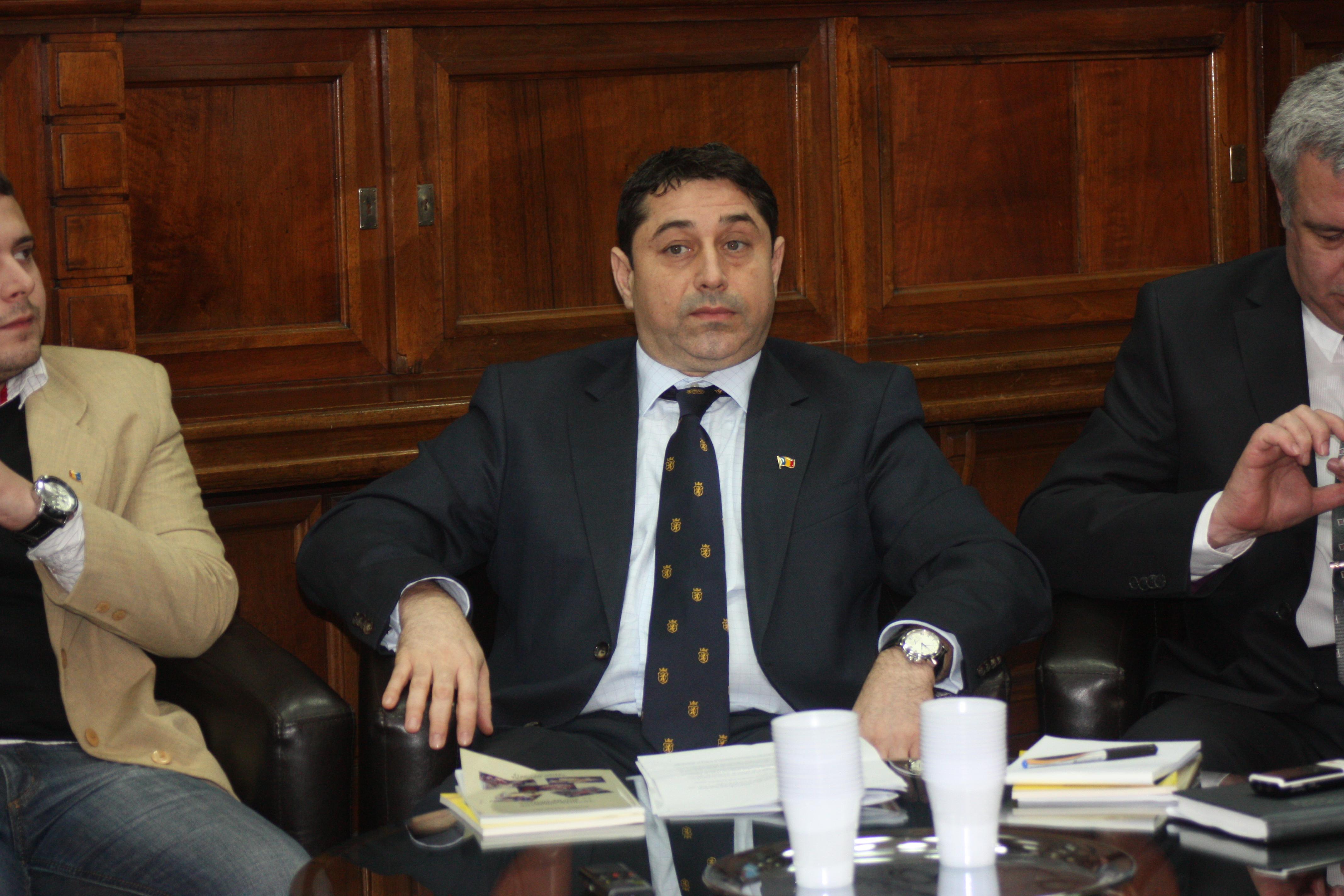 Ministrul David despre respectarea drepturilor românilor din Serbia