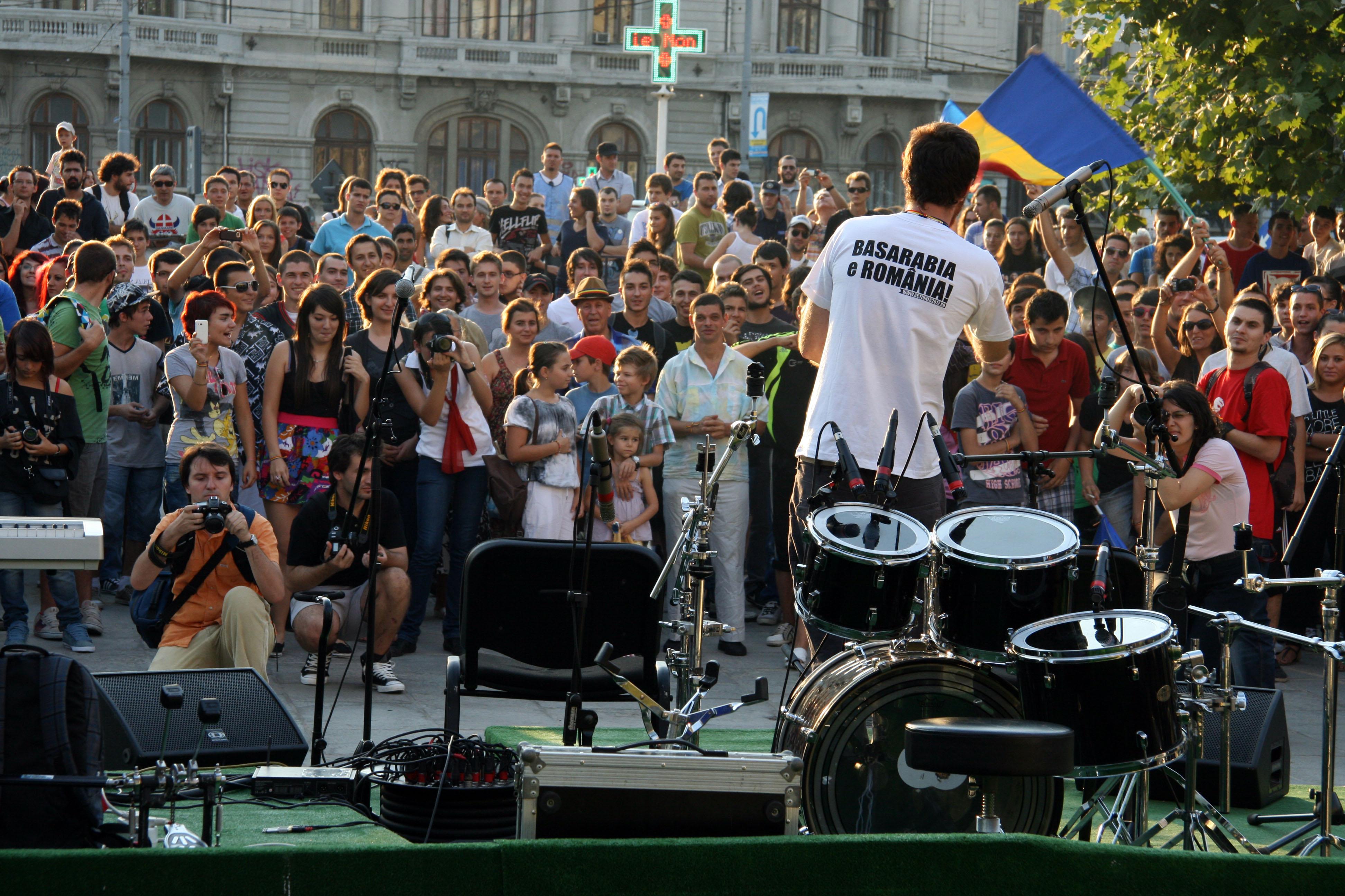 Senatorul Badea către autorităţile din România şi Rep. Moldova: sărbătoriţi împreună!