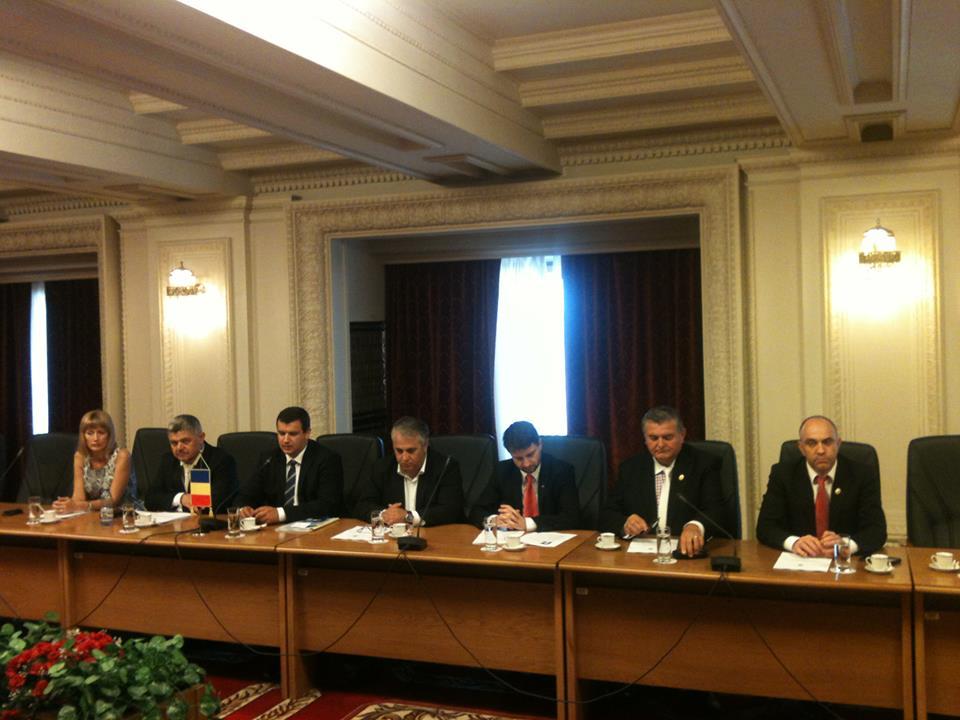 """Tomac: """"Avem foarte multe de recuperat în plan legislativ atât la București, cât și la Chișinău"""""""