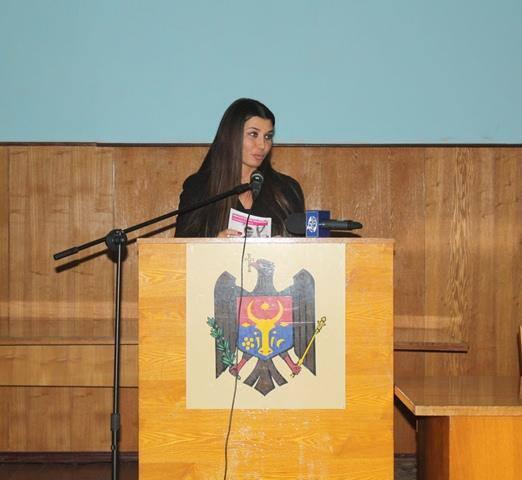 Elena Băsescu urmăreşte situaţia de la Nistru
