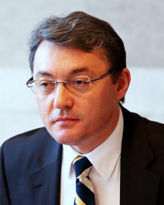 Igor Corman a fost invitat la Bucureşti