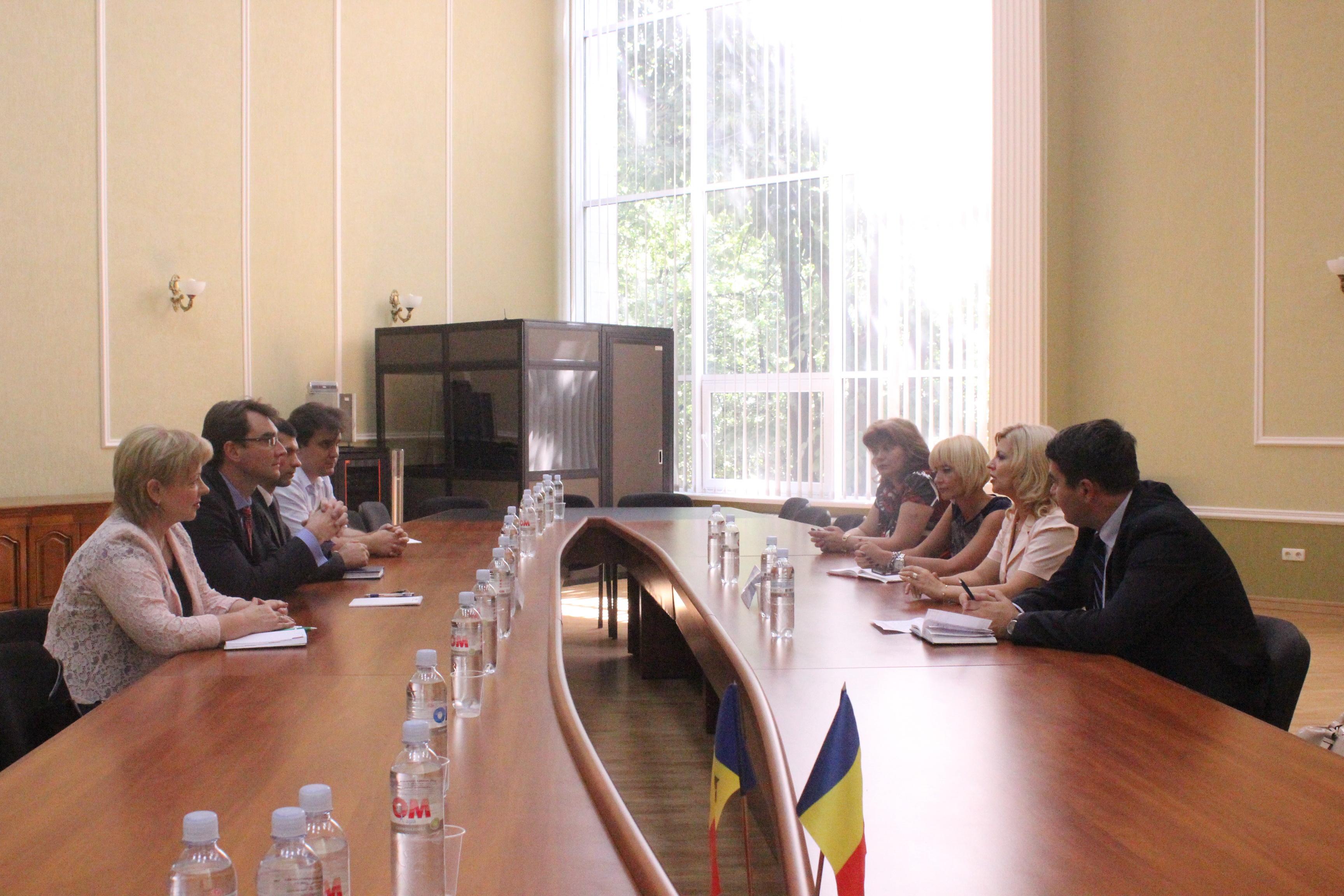 La Chișinău s-a discutat despre legalitatea actelor notariale privind redobândirea cetățeniei române