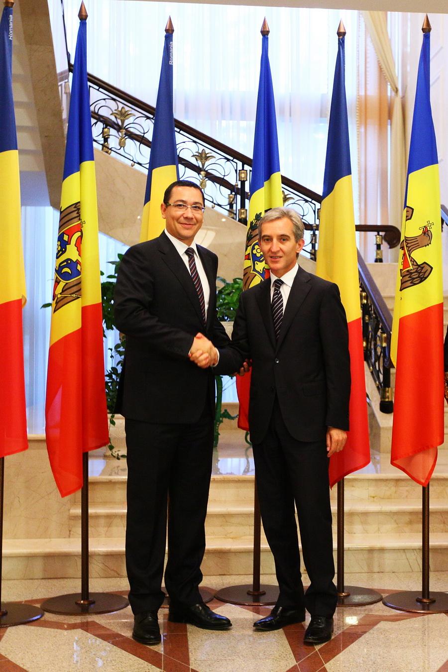 Ponta despre burse, taxe consulare şi TVR 1