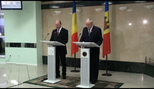 Băsescu primește cetățenia Republicii Moldova
