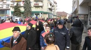 Drapel românesc de 150 de metri, purtat pe străzile din Sfântu Gheorghe