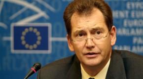 Graham Watson: Așa-zișii democrați aduc comuniștii la putere la Chișinău