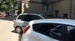 George Simion: Mașina avocatului meu a fost spartă la Chișinău