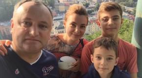 """Ceban îi ia apărarea lui Dodon pe tema vacanţei liderului socialist în """"Mecca"""" mafiei ruse"""