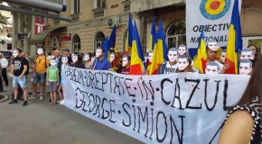 Protest stradal la Chişinău pentru ridicarea interdicţiei lui George Simion