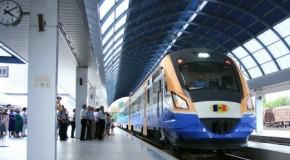 Primii pasageri ai cursei feroviare Chișinău-Iași