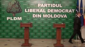 Șapte deputați liberal-democrați vor vota pentru un nou guvern