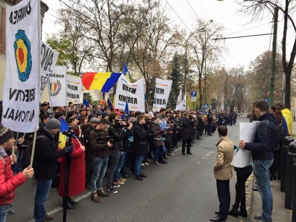 chisinau-ambasada-sua-mars-pentru-unire