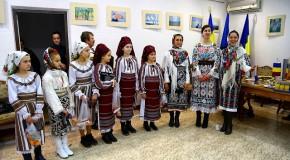 (FOTO, VIDEO) Colindele românilor din regiunea Cernăuți