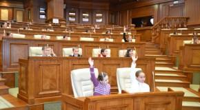 Igor Dodon, enervat că Parlamentul și Guvernul de la Chișinău promovează unirea cu România
