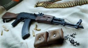 Poliţia din Rep. Moldova a anihilat o filieră criminală. Membrii grupării aveau muniţii şi substanţe radioactive de origine rusească