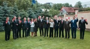 """Ambasadorii UE, îndemn pentru Rep. Moldova: Arătați cartonașul roșu pentru corupție!"""""""