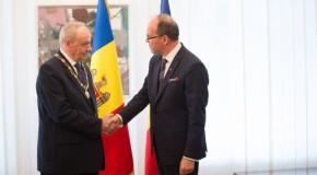 """Timofti, decorat cu Ordinul Naţional """"Steaua României"""""""