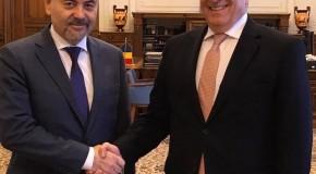 Fostul ministru al Apărării de la Chișinău, discuții cu președintele Senatului României