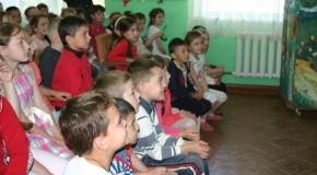Caravana limbii române în sudul Republicii Moldova – spectacole de teatru pentru copii în mai multe localități