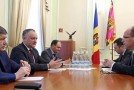 Dodon, față în față cu ambasadorul României la Chișinău