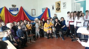(FOTO) Ziua Unirii Basarabiei cu România, sărbătorită la liceul românesc din Tiraspol
