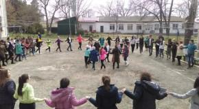 """Elevă a unui liceu din Giurgiulești: """"Să urmăm exemplul celor care acum 99 de ani au reîntregit Țara"""""""