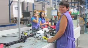 Raport: În Rep. Moldova sunt încălcate în mod regulat drepturile muncitorilor
