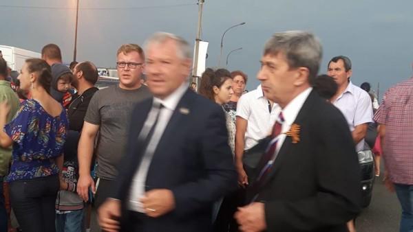 În dreapta imaginii, Valeri Kuzmin.