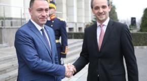 Miniştrii Apărării din România şi Rep. Moldova, întâlnire la Bucureşti