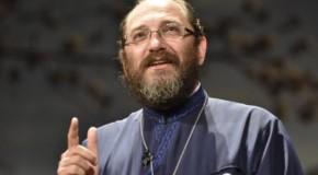 Părintele Constantin Necula, către participanții la Marșul Centenarului: Nu există dincolo și dincoace de Prut. Ce faceți voi contează mai mult decât orice discuție