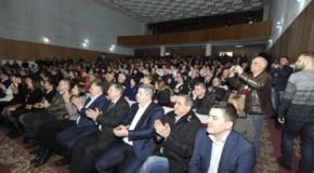Orașul Strășeni a semnat Declarația de Unire cu România. Traian Băsescu a participat la eveniment