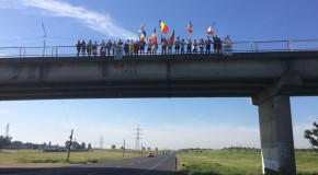 (VIDEO) Cum au fost primiți în județul Galați unioniștii care merg pe jos spre Chișinău