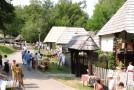 250 de meșteri populari din România și Republica Moldova se reunesc la Sibiu
